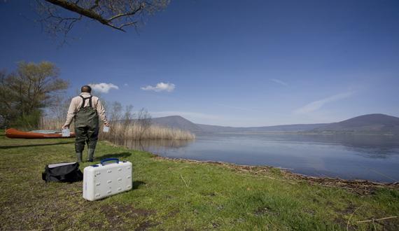 Sampling lake's water